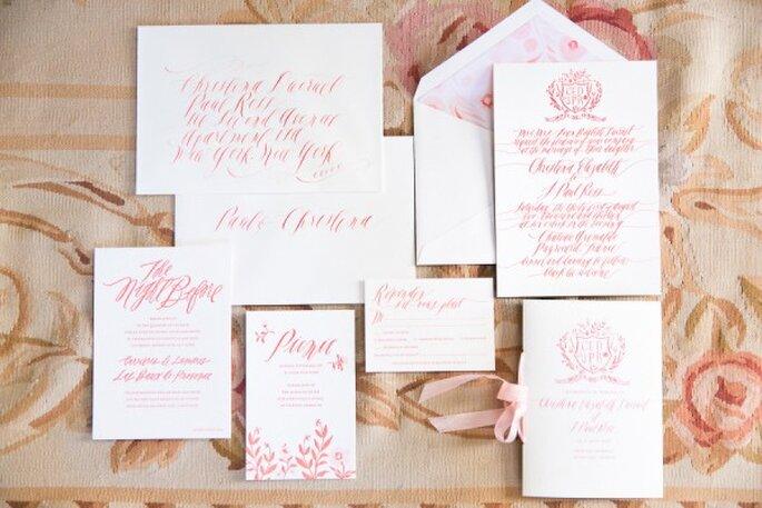 Invitaciones de boda con un toque de rosa pastel - Foto One and Only Paris Photography