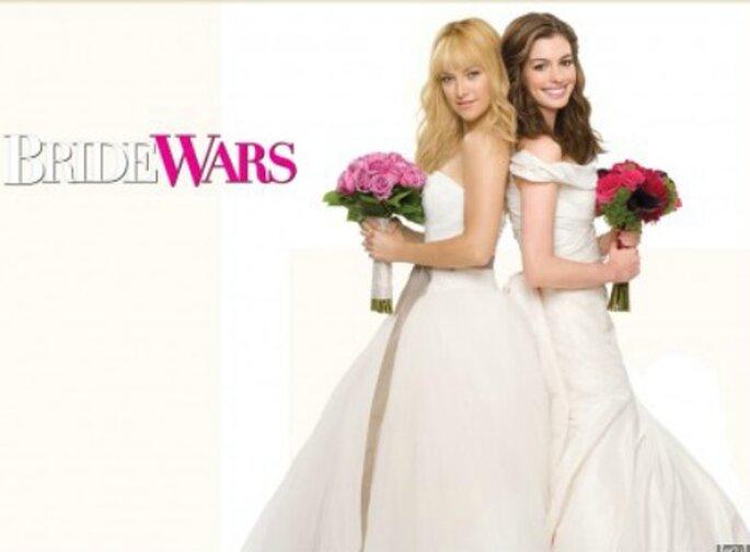 """Kate Hudson e Anne Hathaway nel film """"Il matrimonio della mia migliore nemica"""""""