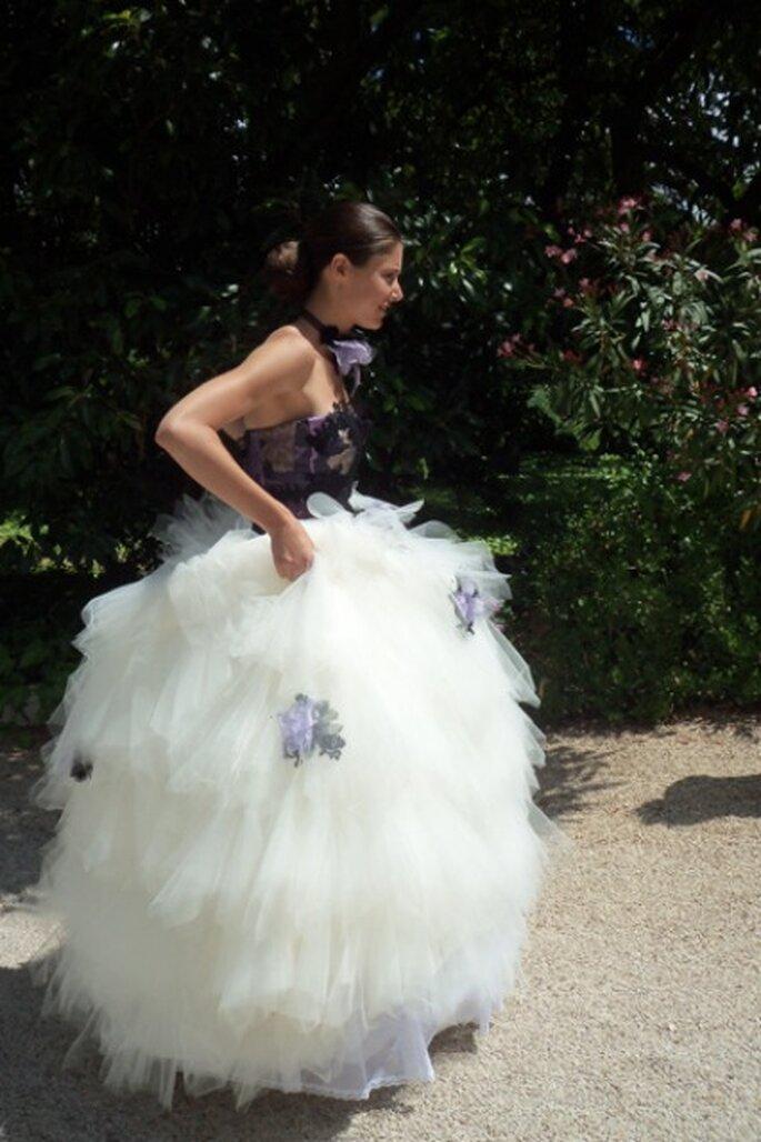 Robe de mariée : corset noir et jupon en tulle - Tati 2012
