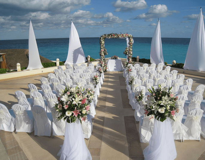 Cancun Wedding Services