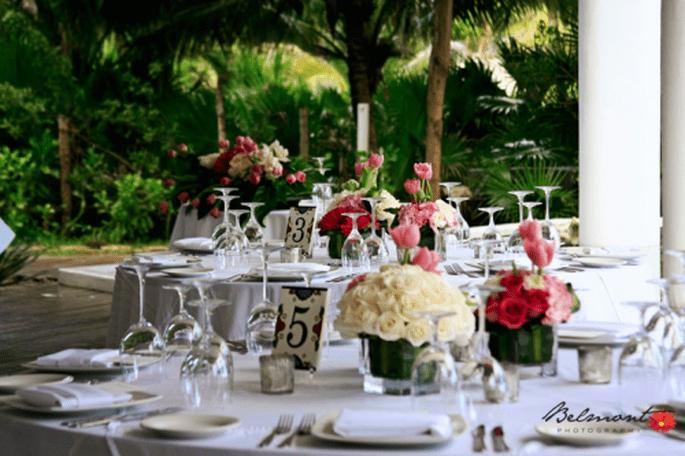 Decoración de mesas de boda. Imagen Belmont Fotografía