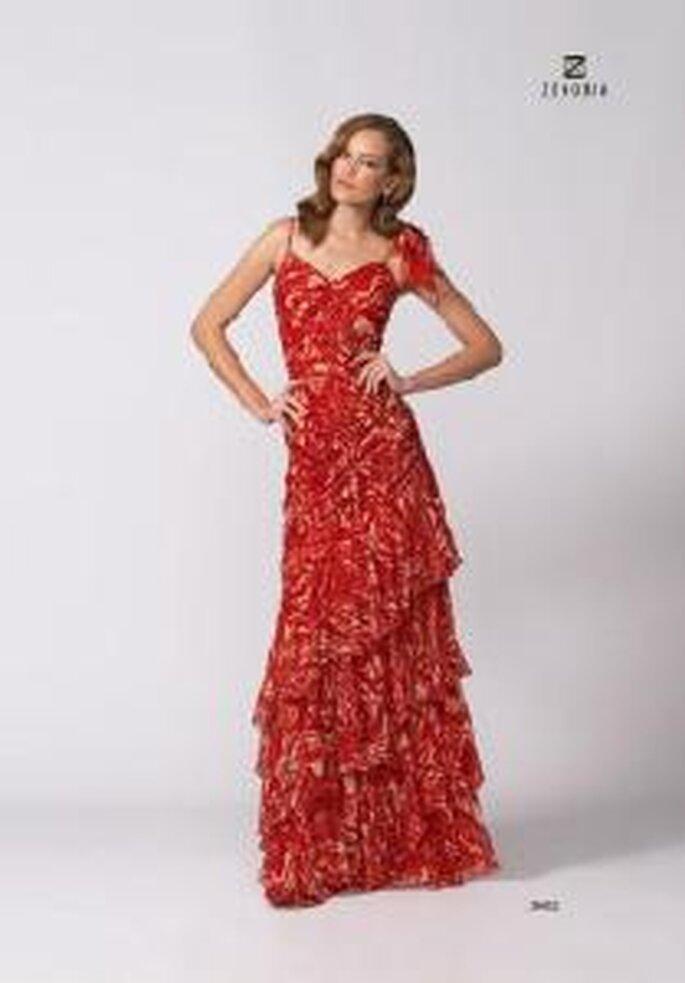 Model Novias 2009 - Vestido largo rojo con escote en V y aplque floral