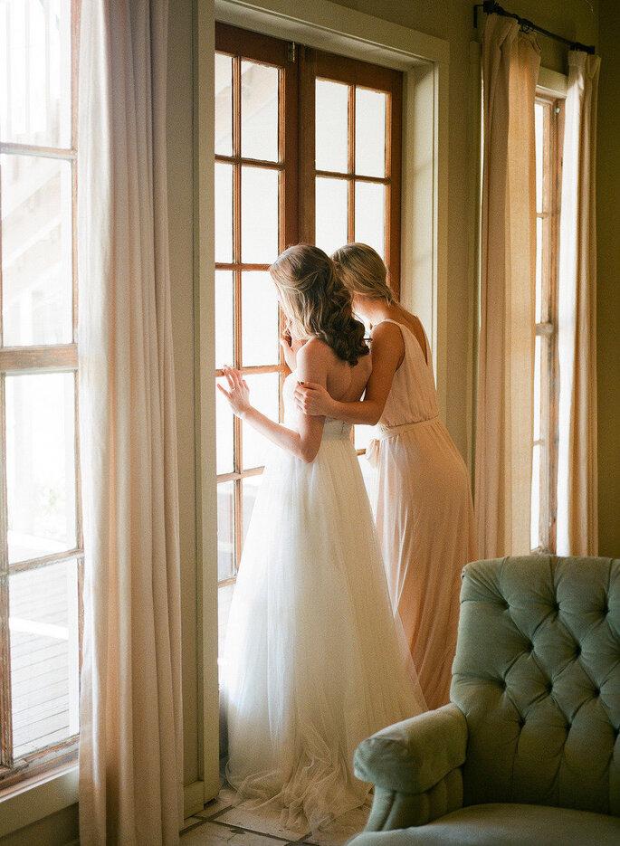 7 cosas que sólo una mejor amiga entiende de tu boda. Foto- Caroline Joy Photography