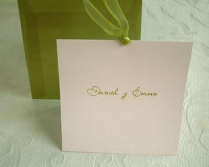 Invitaciones para bodas en color verde.