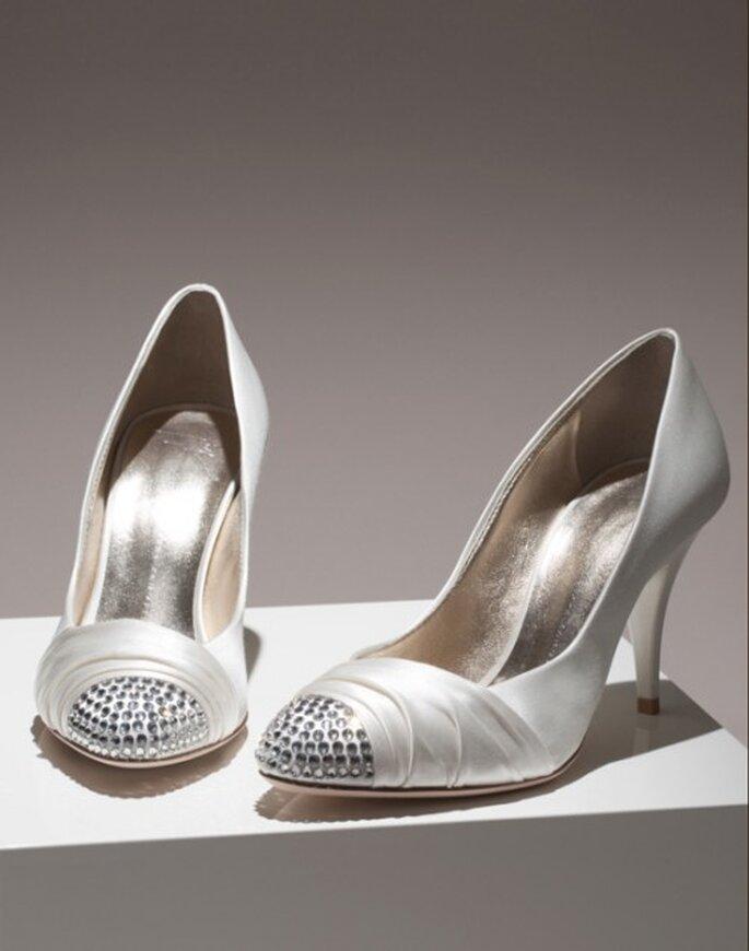 Zapatos de novia de satin con brillantes - Foto Giuseppe Zanotti