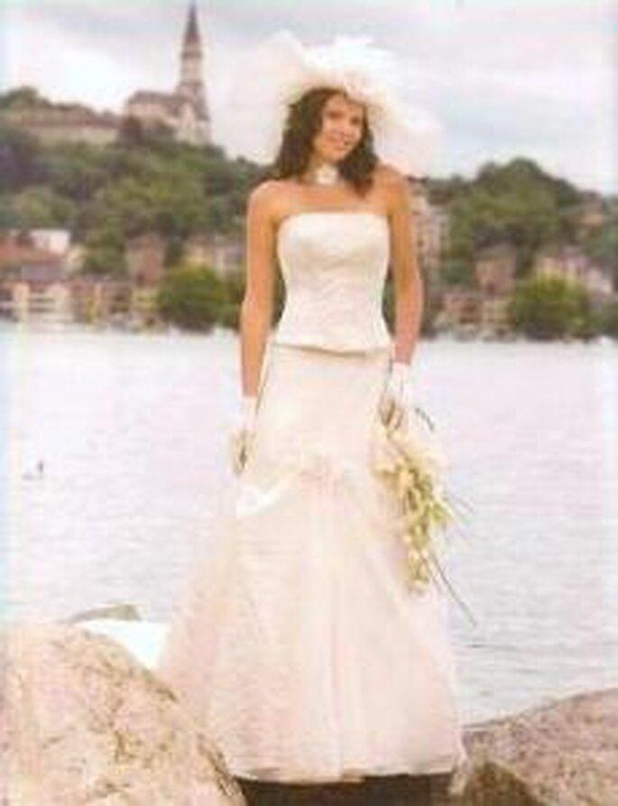 Robes de mari e tati mariage 2010 l aff t des tendances for Robe de mariage et jupe