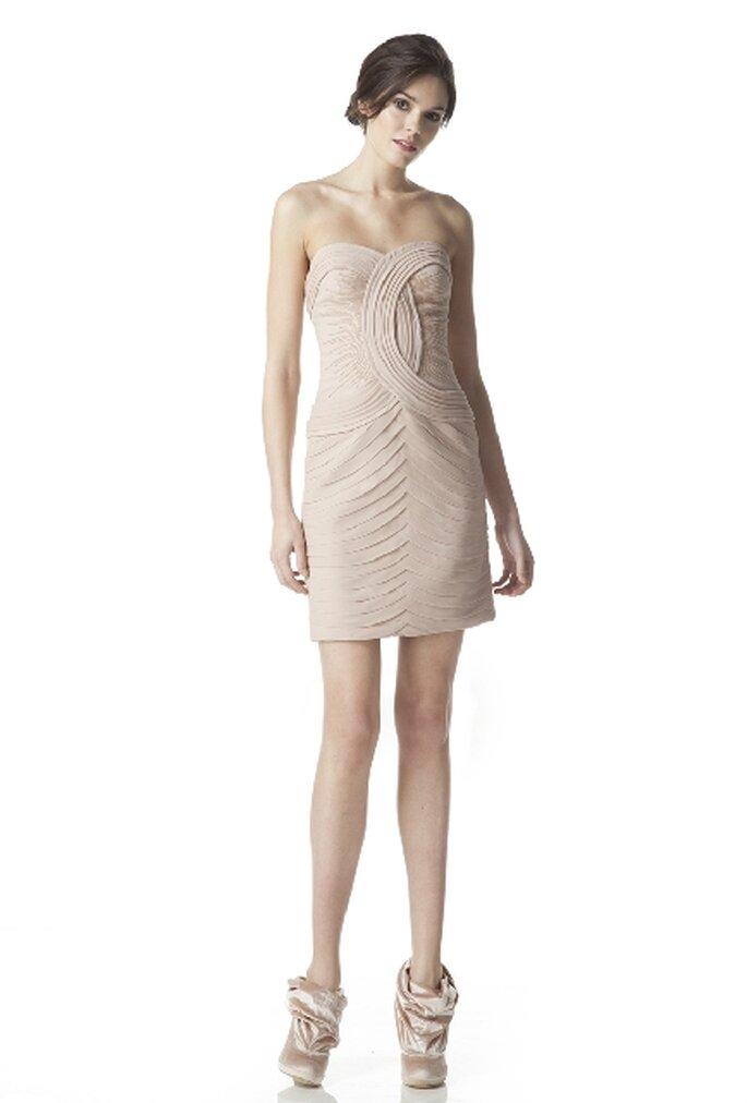 Vestido de novia corto otoño invierno 2012, escote palabra de honor con silueta pegada al cuerpo, colección deGeorges Hobeika12