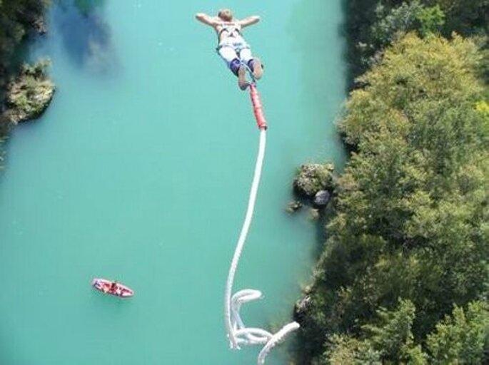 Un salto nel vuoto con il bungee jumping...un brivido eccezionale! Foto www.slovenia.info