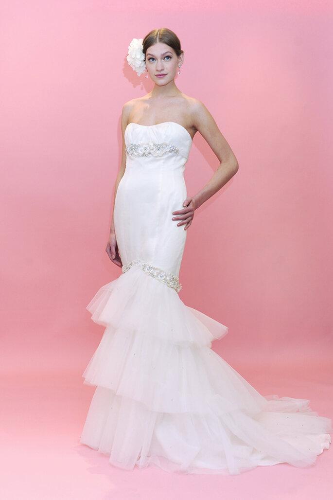 Brautkleider mit langen Roben - Die schönsten Modelle aus der Kollektion für 2013 Foto Badgley-Mischka