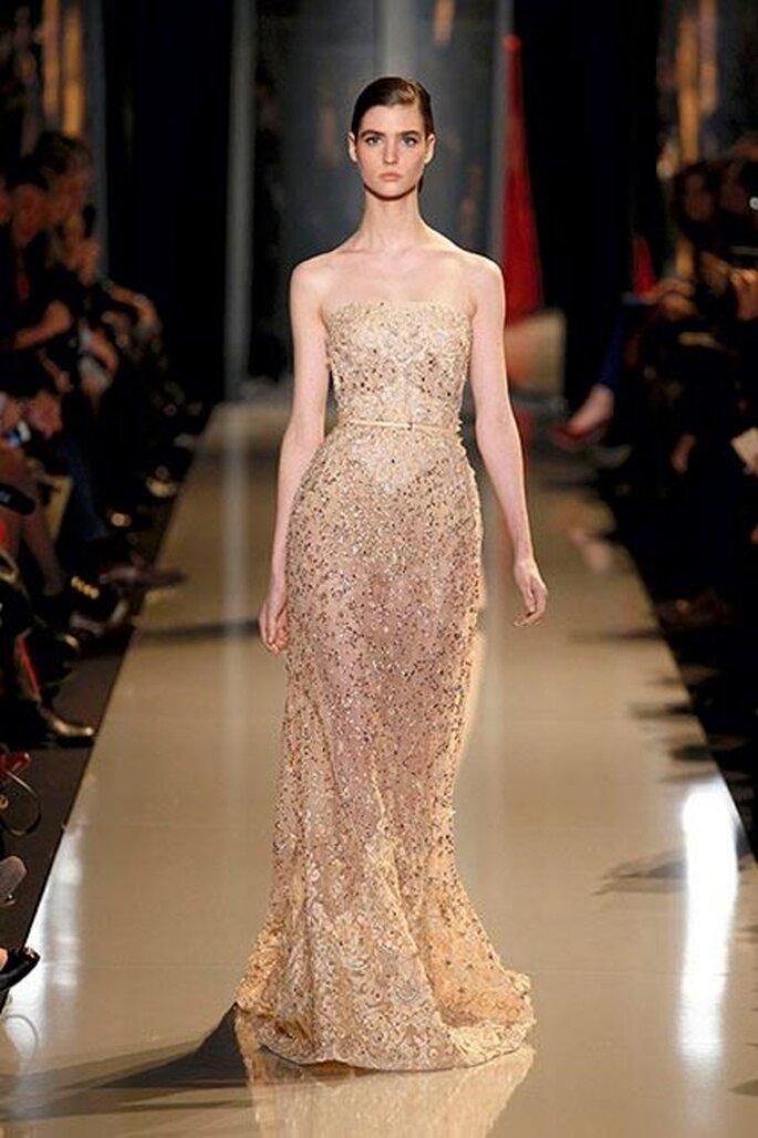 Vestido de gala elegante en color champagne - Foto Elie Saab 2013