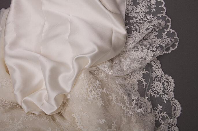 Foto: Charmeuse de seda, tul bordado y con pedrería. Blanca Encajes