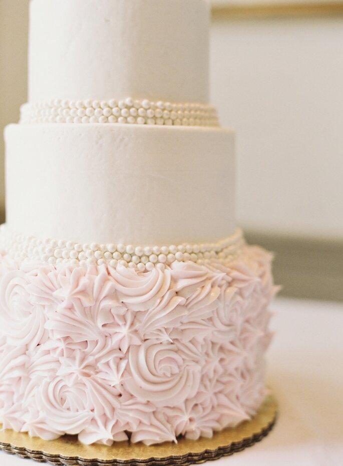 pastel con flores- Mint Photography
