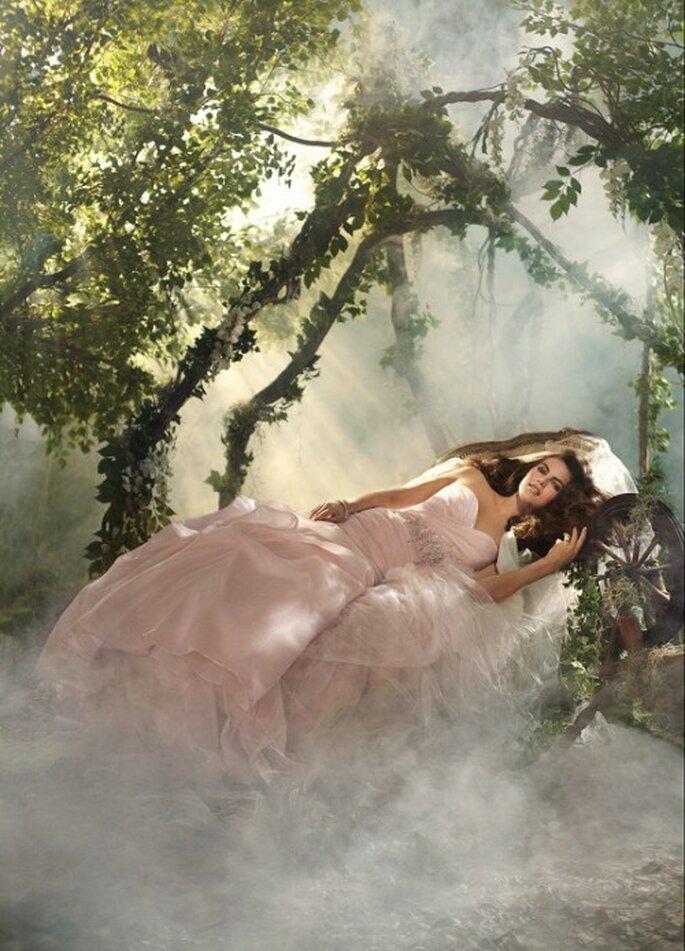 Vestido de novia inspirado en la princesa Aurora - Foto Alfred Angelo