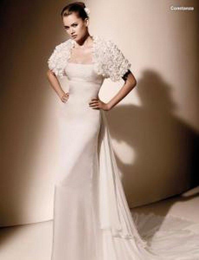Valentino 2010 - Constanza, vestido largo en gazar, talle alto, escote recto palabra de honor, bolero a juego