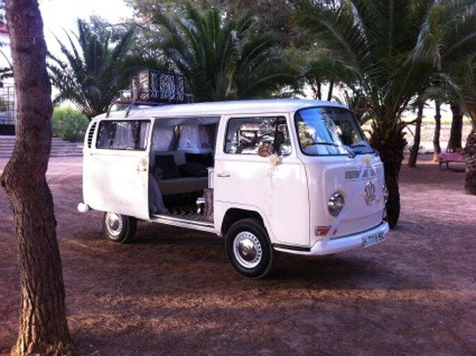 Boda de Jaume con la romántica VW Margharet - Vintage Tours