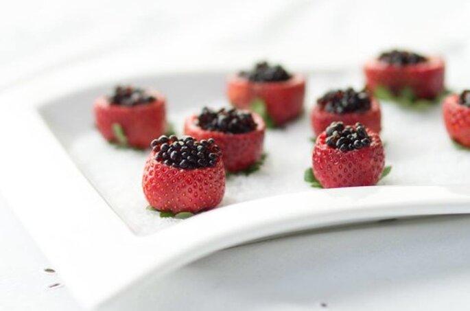 Morangos com caviar de balsâmico. Saint Morit's Buffet & Eventos - Foto: Júlia Ribeiro