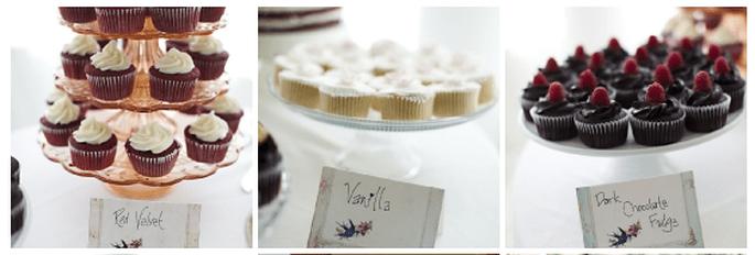 Tanti cupcakes golosi sul banchetto nuziale