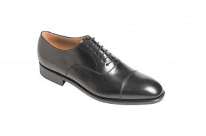 Zapato inglés de pala vega, en piel enteras anilina cuero y suela cosida