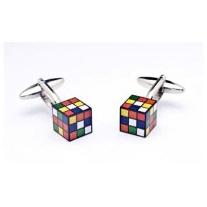 Gemelos con forma de cubo de rubik