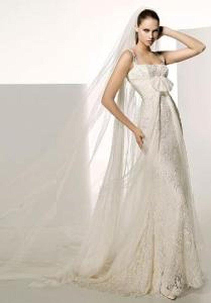 Manuel Mota 2009 - Sagitario, robe longue en dentelle, de coupe empire