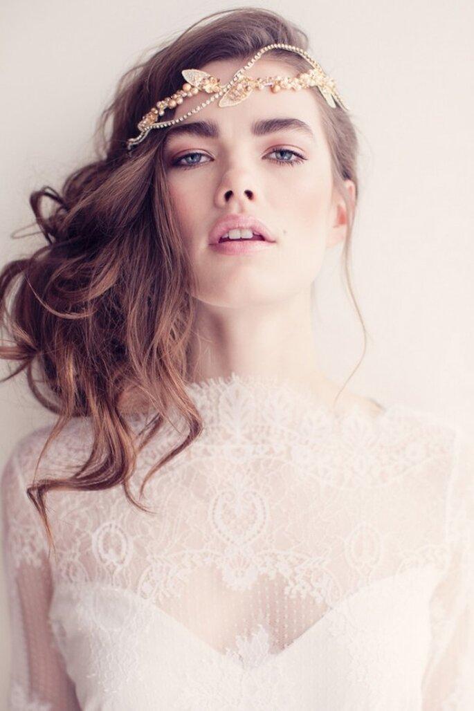 Un peinado ideal para esta inspiración en rose champagne - Foto Sandra Aberg