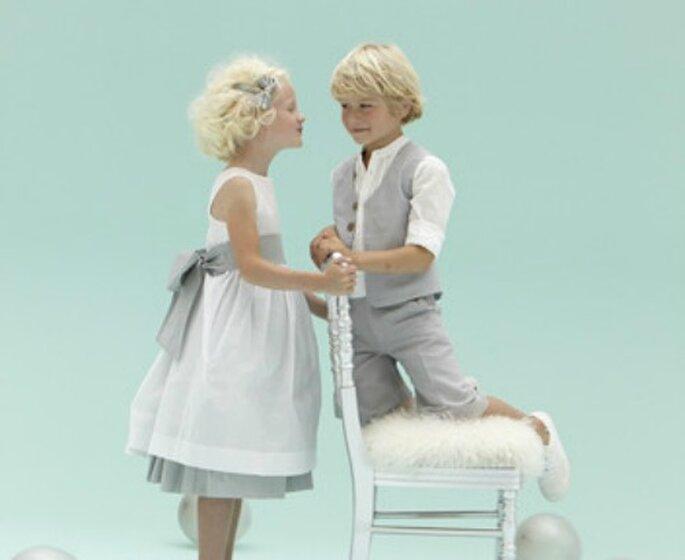 La tenue des enfants d'honneur donne le ton du mariage - Source : Cyrillus
