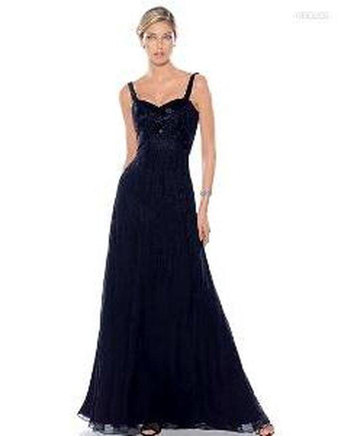 Pronovias Cóctel 2010 - Amazona, vestido largo ajustado negro con escote en forma de corazón