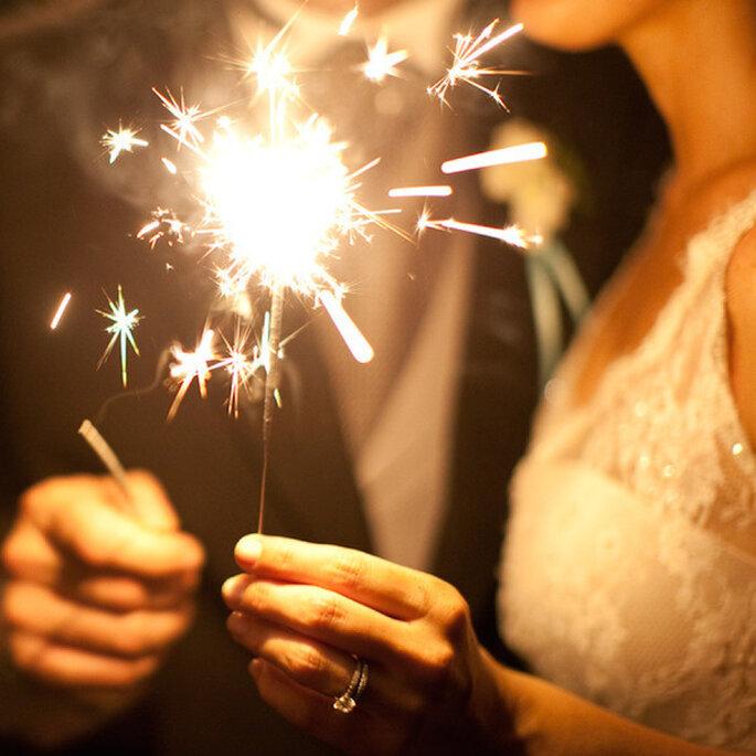 Luces de bengala en tu boda - Foto Erin Heart's court