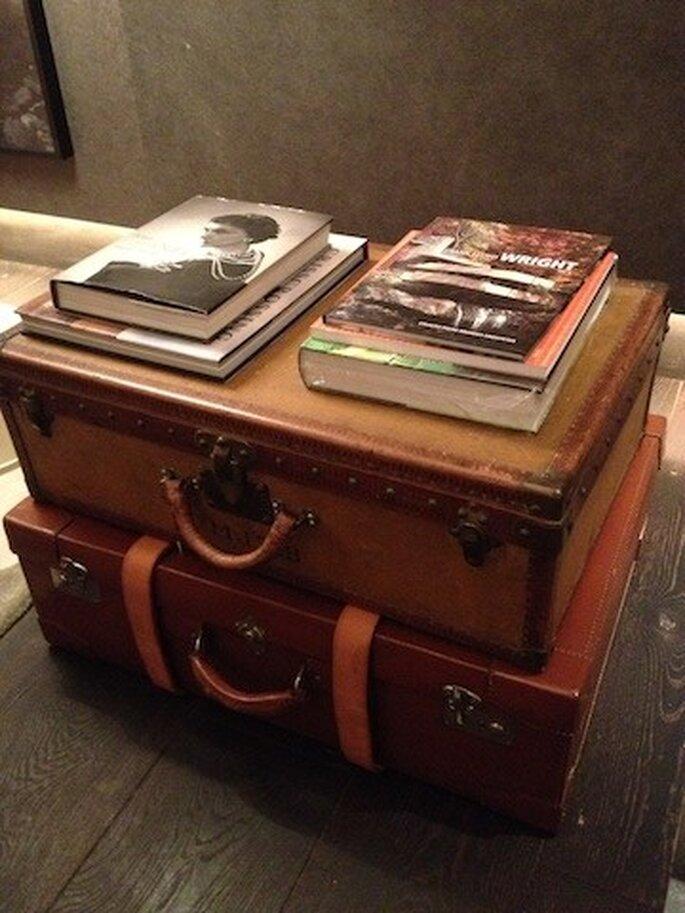 Malas de viagem e livros decorativos Casa Cor São Paulo 2013. Foto - Mariana Ortigão