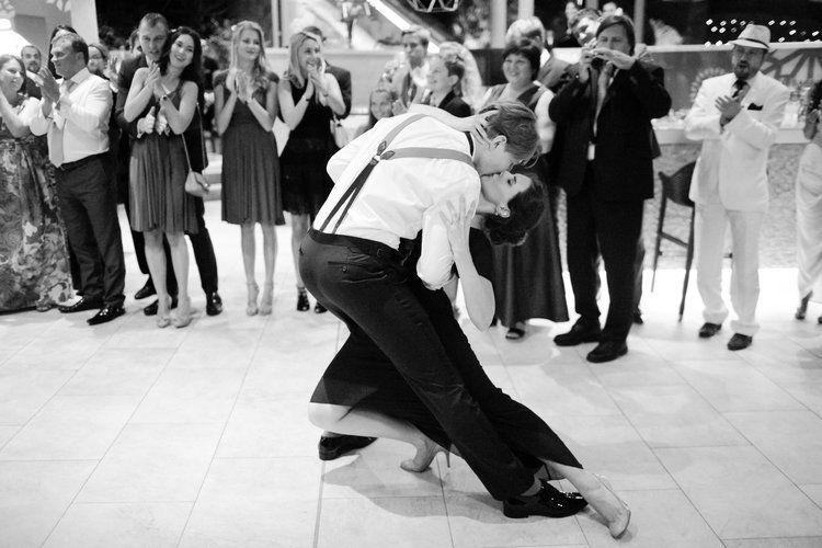 © Caught the Light Photography première danse mariage bord de mer