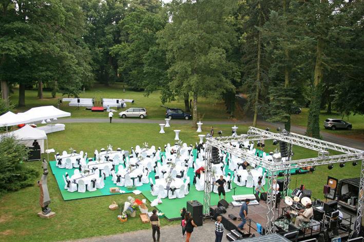 Beispiel: Hochzeitslocation im Freien, Foto: Schloss Garvensburg.