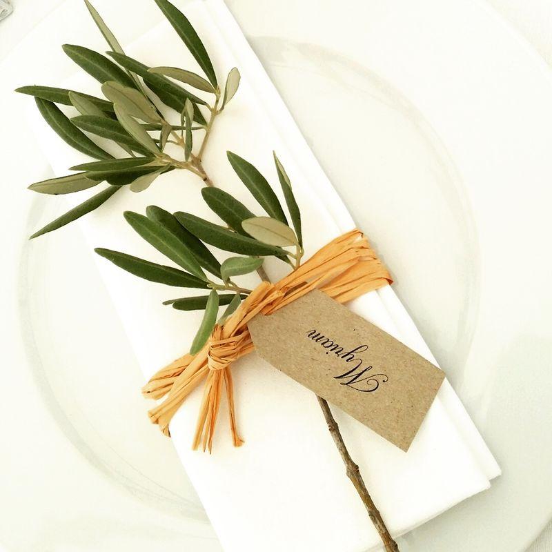 Rond de serviette rafia et branche d'olivier
