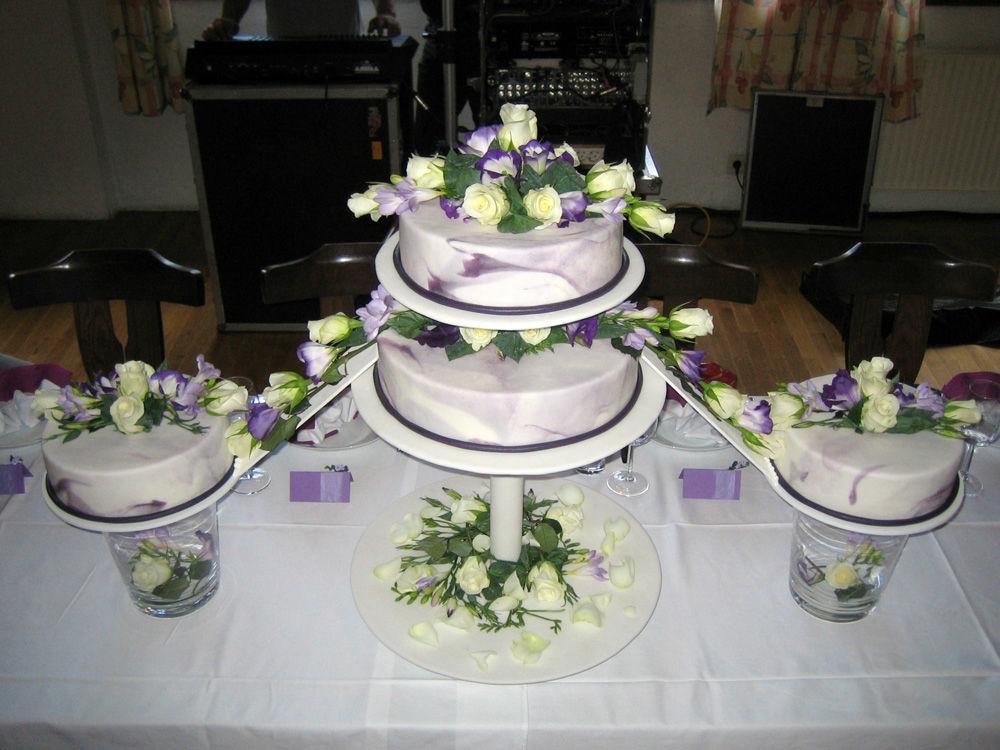 Beispiel: Einzigartige Torten für Ihre Hochzeit, Foto: Tortenhaus.