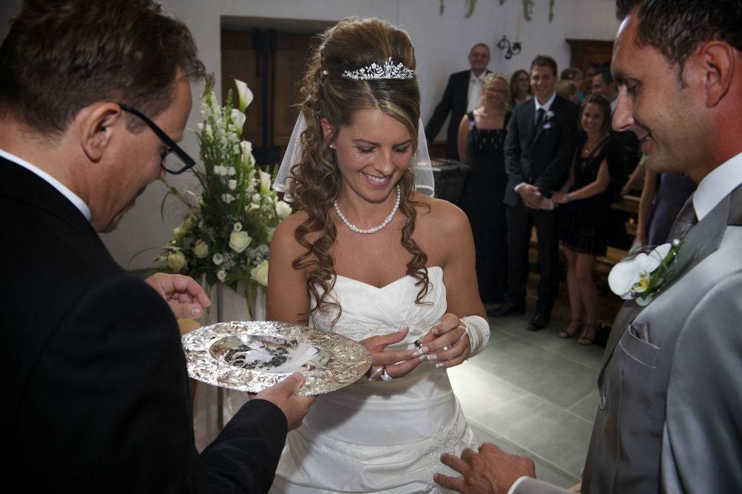 Beispiel: Ringtausch, Foto: Hochzeitspfarrer.