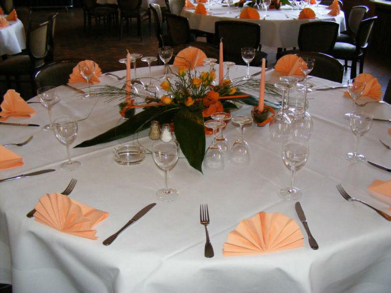 Beispiel: Tischdekoration, Foto: Gasthof Loers.