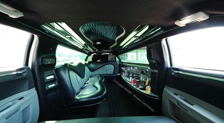 Beispiel: Limousine von Innen, Foto: Krystal Limousines.