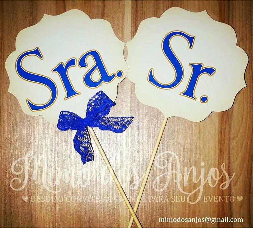 Plaquinhas para oficializar Sra. e Sr.