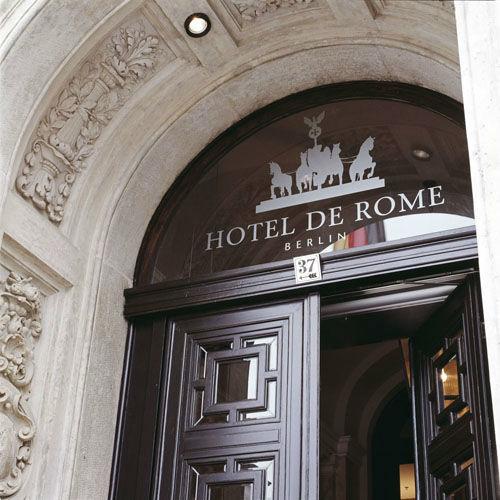 Beispiel: Hoteleingang, Foto: Hotel de Rome.
