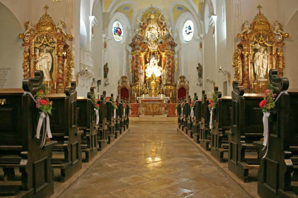 Beispiel: Kirchendekoration, Foto: Le langage des fleurs.
