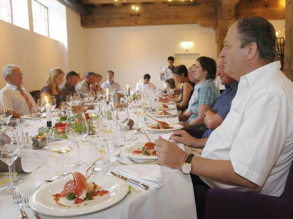 Beispiel: Gehoben speisen an Ihrem Hochzeitstag, Foto: Güterhof.