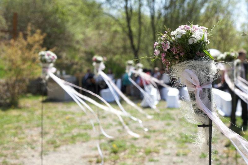Foto: Das Hochzeitshaus, Kirchliche Trauung auf einem Weinberg