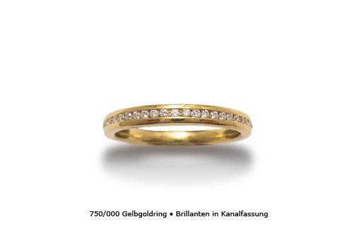 Beispiel: Gelbgold Ring mit Brillianten, Foto: Panzerknacker Goldschmiede.