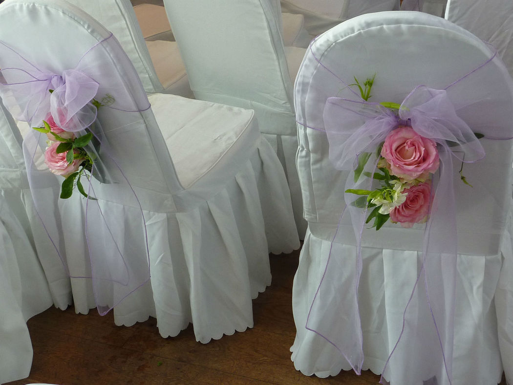 Beispiel: Blumen für die Zeremonie, Foto: Blumenbinderei.
