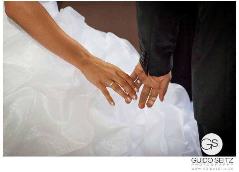 Beispiel: Intime Aufnahmen Ihrer Hochzeit, Foto: Guido Seitz Photography.