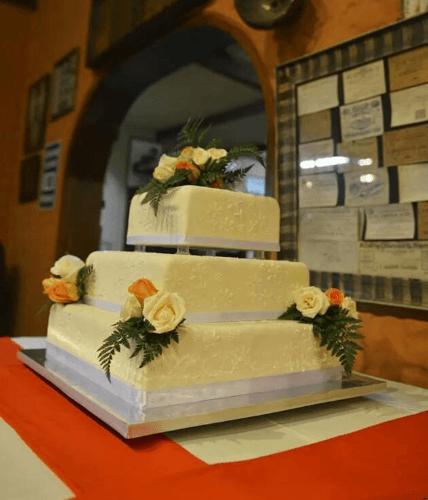 Torta cuadrada bordada