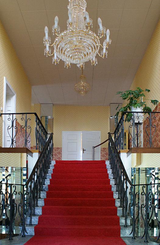 Beispiel: Foyer - Kronleuchter, Foto: Villa am Fennpfuhl.