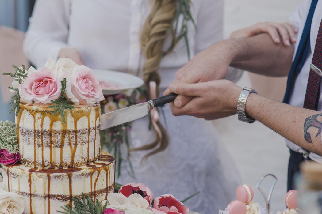 Corte de tarta nupcial
