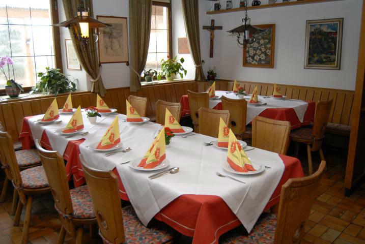 Beispiel: Festtafel, Foto: Landgasthof Rössle.