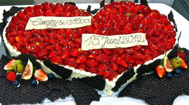 Beispiel: Hochzeitstorte, Foto: Waldhotel Stuttgart.