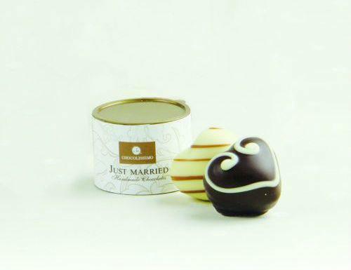 Beispiel: Runde Pralinenschachtel für Ihre Hochzeitsgäste, Foto: Chocolissimo.
